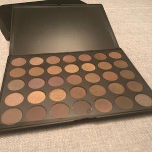 Morphe 35t eyeshadow palette